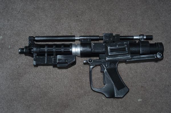 Baktoid Armor Workshop E-5 blaster rifle resize.jpg
