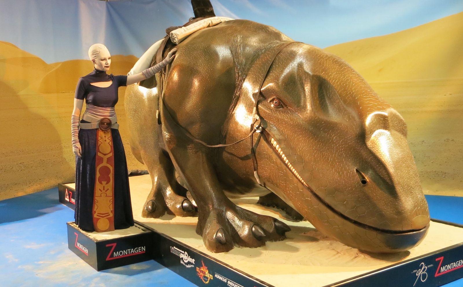 Asajj Ventress and her pet dewback
